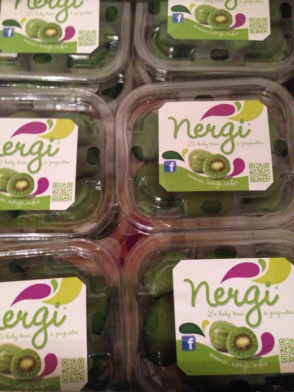 """""""@Fleurs_Rebelles: mon 1er event @eparisiennes va être vitaminé ;)"""" Il y a #nergi ! #minikiwi #estory http://t.co/A4FT8P79A1"""