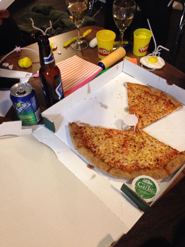 RT @REWARDROBE: LOTS of FUN, drinks & #pizza! Great #socialmedia #PubQuiz @wearesocial & @TicketmasterUK! #SMWLDN http://t.co/l7qwyVUShn