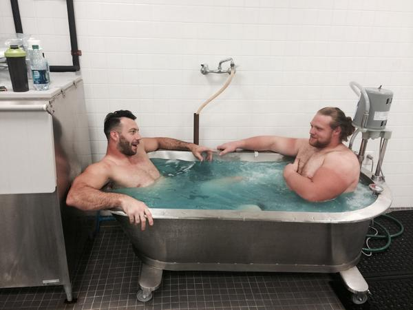 The team that bathes together, stays together @ConnorBarwin98 #farmerstan http://t.co/lPYpFAJd9S