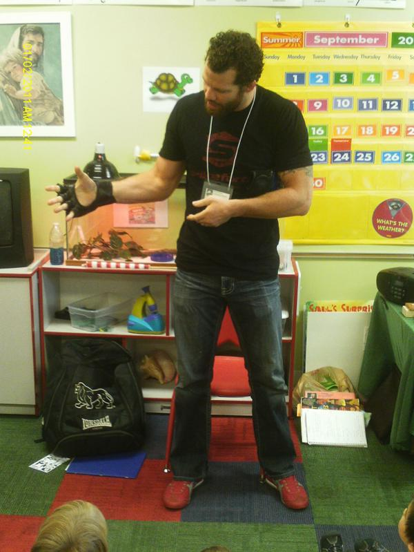 demonstrating what an MMA fighter does at my daughter's school http://t.co/CyDJEb4vZX http://t.co/zM6XdJRAwT