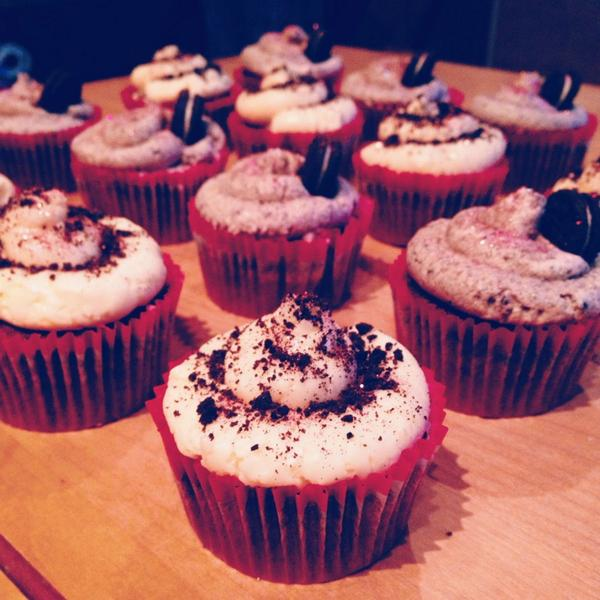 Another way to eat an Oreo...in the form of a cupcake! RT @srazakazi: http://t.co/Np4hdojjIT