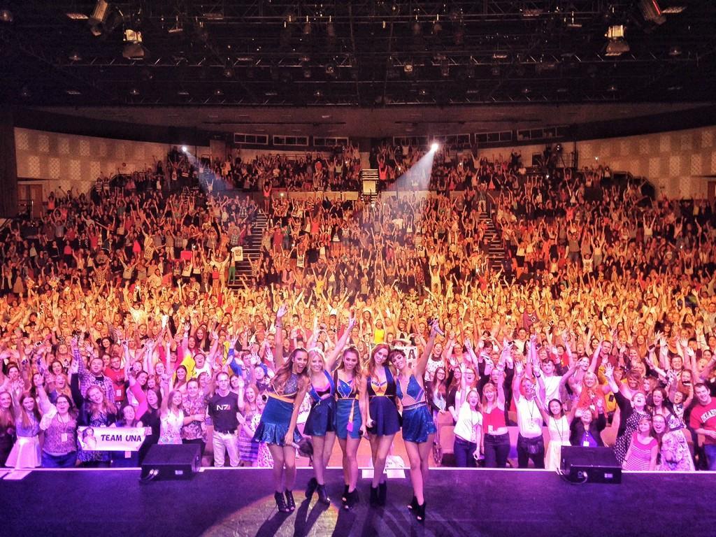 Tour >> Greatest Hits Live - Página 9 ByQFVlJIIAAObsF