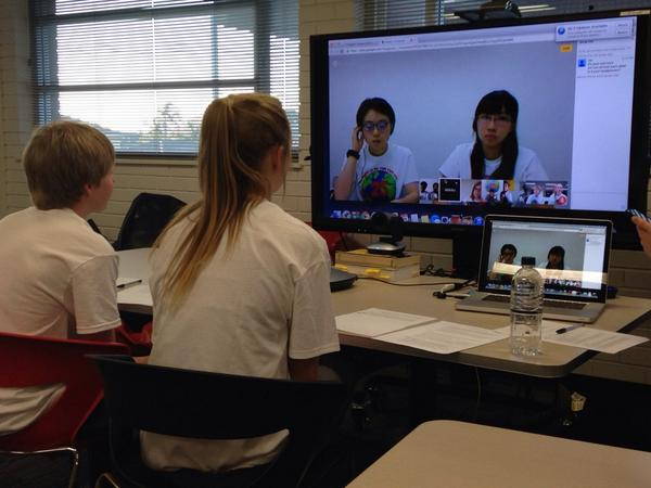 .@unicefaustralia youth ambassadors josh & @briannapart_ talking to crc about #thingsthatmatter #crc25 http://t.co/rsev510yEO