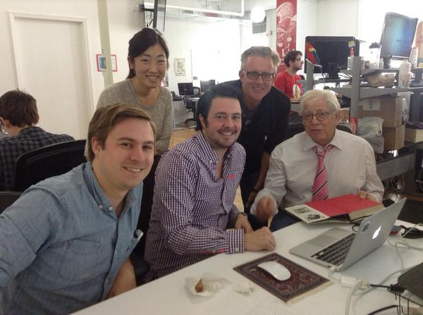 Taking in Circa 3.0 launch results w/ Carl Bernstein(!) and NY team @AntDeRosa @DJBentley @juniazhang http://t.co/a4i1s8Hq7o