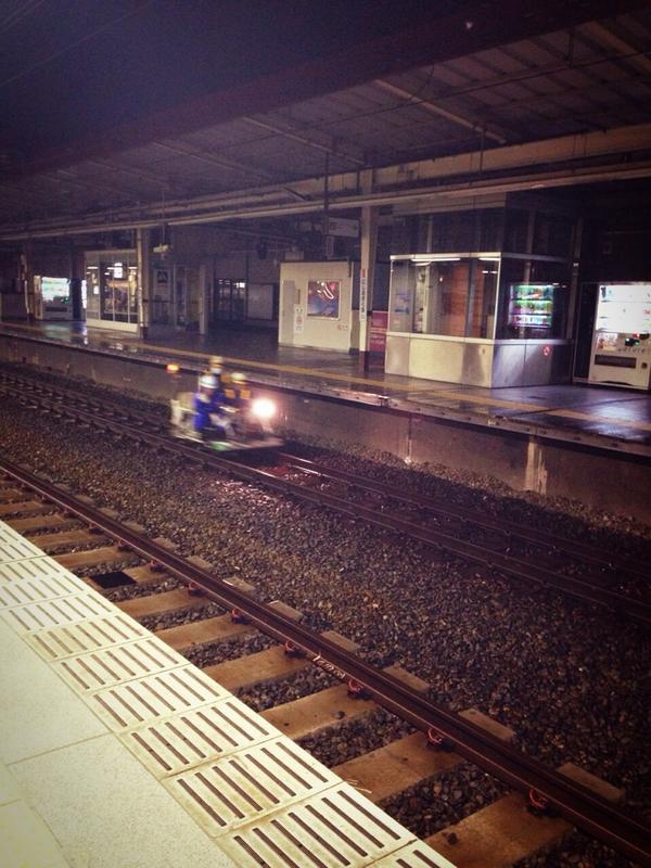 西荻窪駅なう カッコイイ何かが走っていった!!! http://t.co/nqmIno8wK3