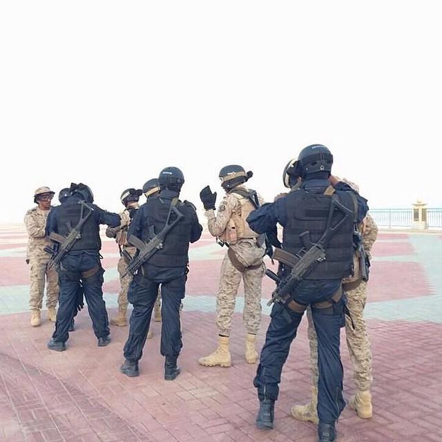 الموسوعه الفوغترافيه لصور القوات البريه الملكيه السعوديه (rslf) - صفحة 27 ByUM-0iCYAAu8Iq
