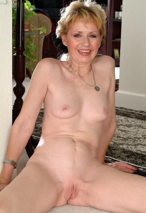 sexy naked babe cubans