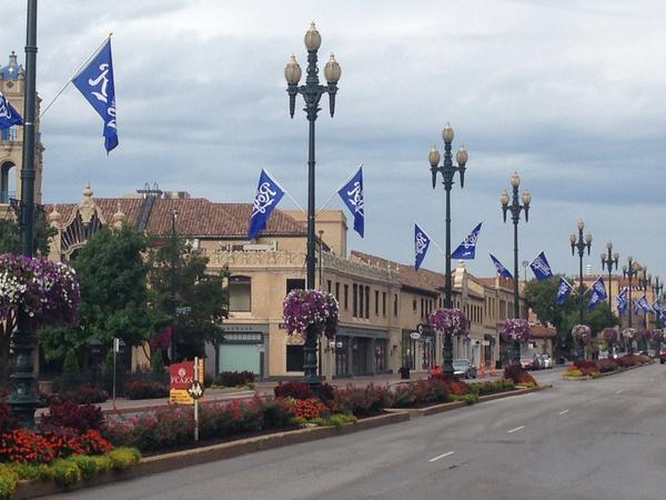 Can't imagine the Plaza has flown Royals flags too often in September. http://t.co/8qN6HGHout
