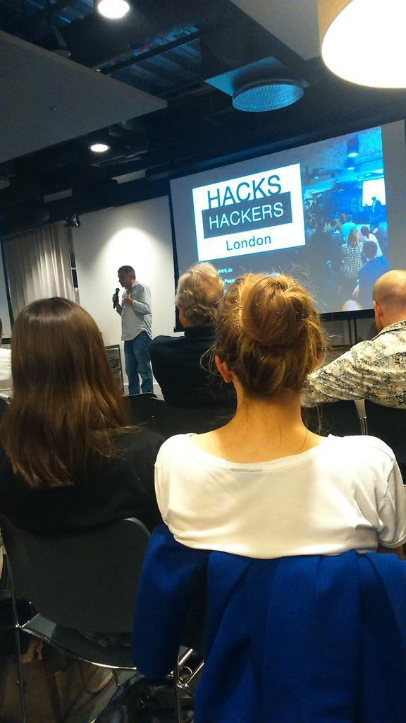 """Newspapers need to """"grow the f**k up"""" in the digital transition @pilhofer #hhldn @twitter http://t.co/y8s5tz7323"""