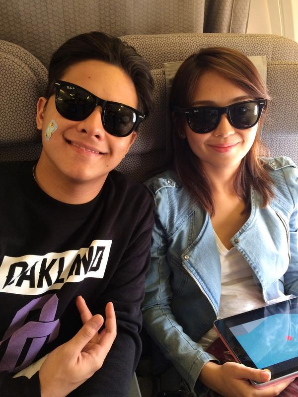 Ok for the fans they posed behind us on the plane! DJ & Kathryn have been a joy to watch. Praise God! #PaparazziTita http://t.co/BSNYwu5xMe