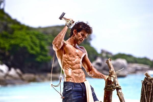 BODYBUILDING: INDIAN ACTORS WITH BEST BODY