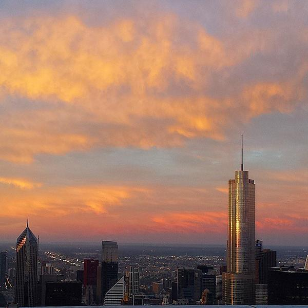Sunrise from 75 floors above #Chicago at @rcchicago #GrandAdventure #staycationseries #i... http://t.co/k3aLiG6UvL http://t.co/x7BHyT2yLB