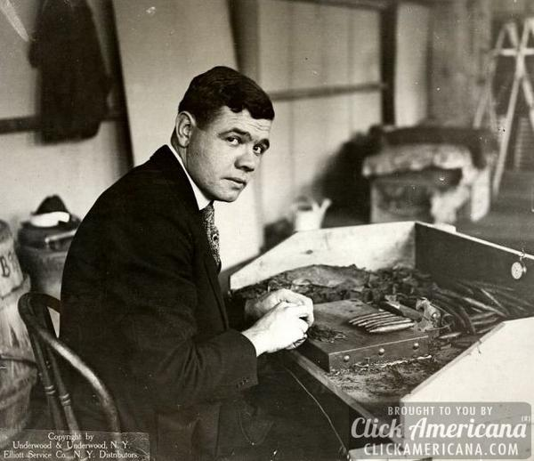 #TBT #Throwback Babe Ruth rolling his own #cigar #cigars #cigarboss #Famous #BOTL http://t.co/BM7TVnkTzR
