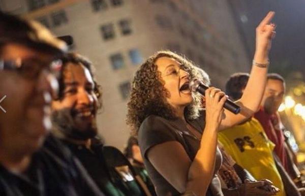 'Você deveria sair daquele debate algemado, direto para cadeia', disse Genro a Fidelix http://t.co/MGU4IKw1DI