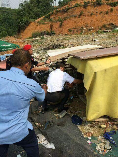 A day at Gombak w new MB @AzminAli. He walked on dumpsites, climbed up a hill, climbed down a river. Sets new std. http://t.co/Q5FYp2YCjS