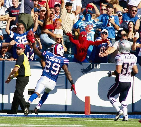 The #Bills beat the Patriots, 34-31, to snap a 15-game losing streak to New England. @TheBillsMafia http://t.co/w7cxfpreT7""
