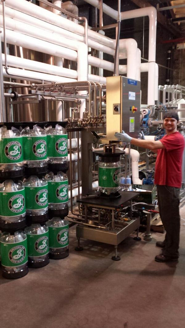 "KeyKeg on Twitter: ""Filling the first KeyKeg 30 Slimlines at the @BrooklynBrewery http://t.co/n7z7aUh4MG"""