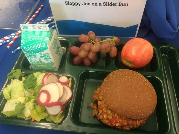 Some of the menu items under consideration in Seattle Public Schools. How  does this compare to your lunch?pic.twitter.com/EeXimaU2T5