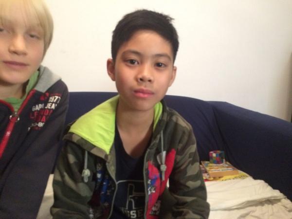 De 11 jarige Tri woont zijn hele leven in Nederland, toch heeft hij vandaag gehoord dat hij niet mag blijven. #hvnl http://t.co/OWKkBxmR6z