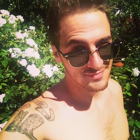 Here's a selfie!  #HeffronOC  http://t.co/t7ZWUQXYmf http://t.co/o6OXAYmpuQ