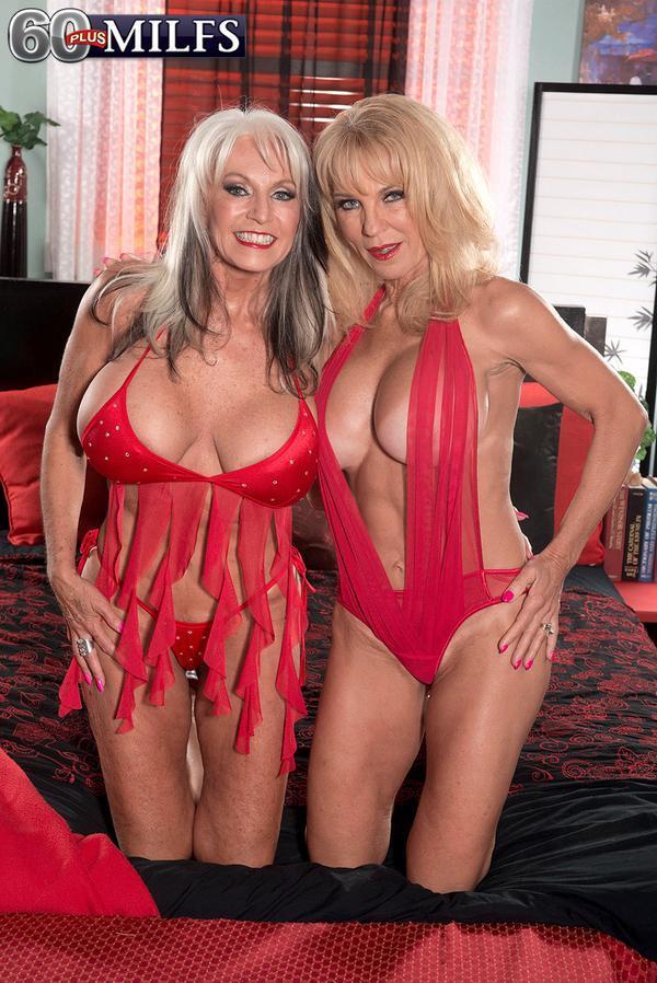 Kaley cuoco bare breasts