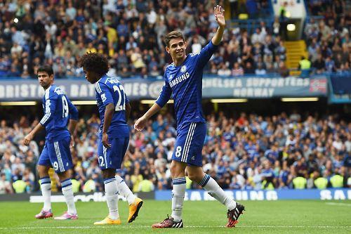 Oscar celebra su gol de hoy.
