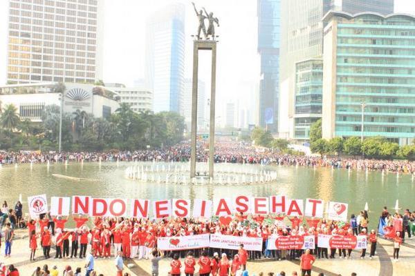 "Aksi Tematik ""Indonesia Sehat"" menyambut #WorldHeartDay tanggal 29 September esok hari. Tunggu foto2 lainnya ya! http://t.co/lPZrH6bB2E"