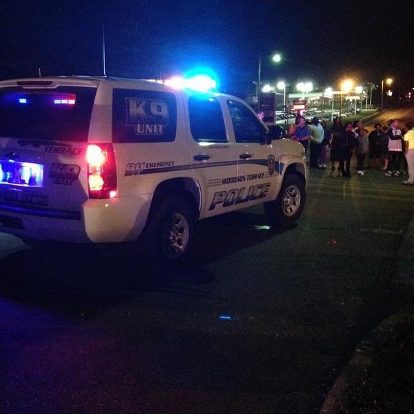 #Ferguson http://t.co/XJOZQHDLZZ http://t.co/BMJepGtceQ