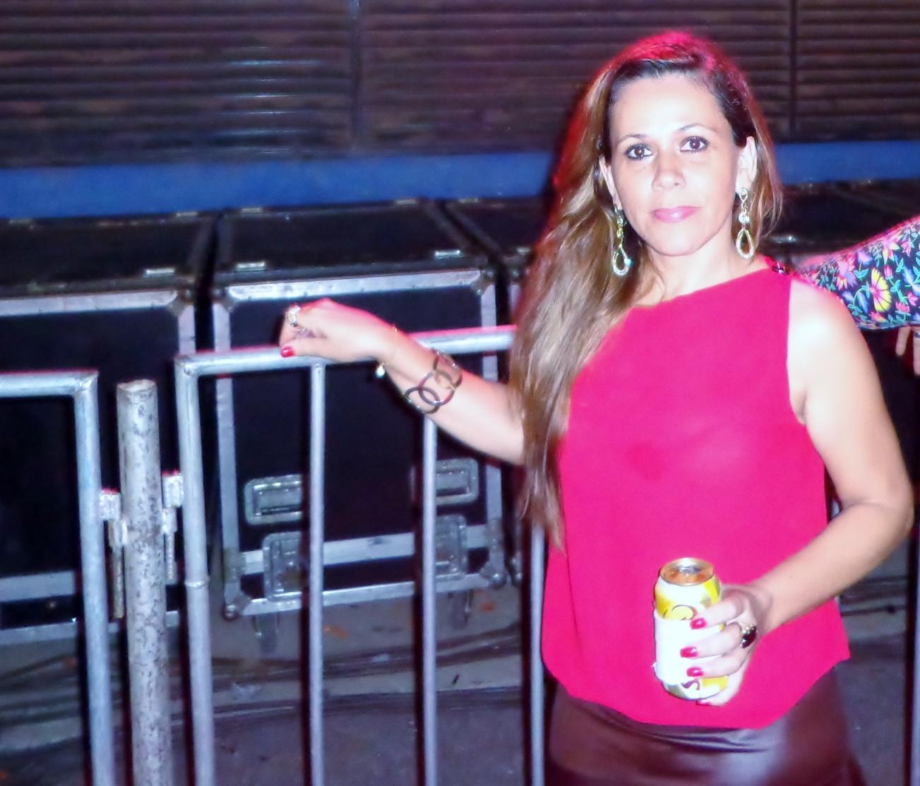 #EsperandoPorEle @CrisEfeitos           #showMaravilhoso #cadadiamaisapaixonada mor te am♥ http://t.co/4rAL2PmwIJ