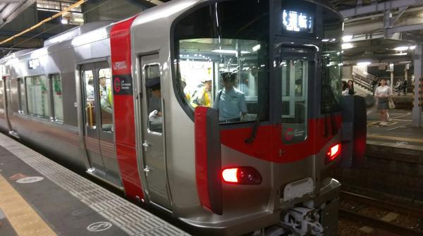227系広島到着!国鉄民営化されました! pic.twitter.com/1QXTl343r8