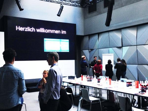 Samstag beim Microsoft Bloggerlunch 2014. Spannendes Thema: wie wollen wir in Zukunft arbeiten? #einfachmachen http://t.co/rvX4gJKfmz