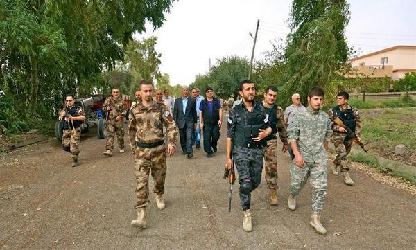 "Evon Sworesho ن on Twitter: ""#Assyrian singer Ashur Bet-Sargis visiting #ADM (#Zowaa) soldiers in, #Alqosh, #NinevehPlain. http://t.co/PnkrvQJb3j"""