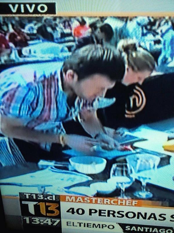 Participantes de Master Chef acusan arreglo de la producción http://t.co/83XJTa37j4