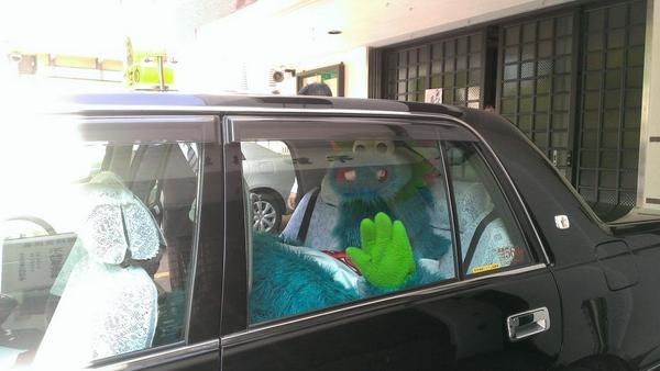 広島のタクシーにはいろんなものが乗っとるな~ #carp #hiroshima pic.twitter.com/fiYFeYPKw1