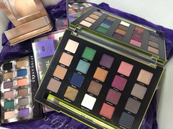 We've just seen @UrbanDecay November launches and they're brilliant … this #vice3 palette features 20 new shades http://t.co/CLGcjimjeu