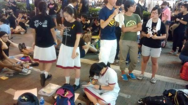 +1! RT @frostyhk: School kids do their homework in the streets at Hong Kong protest http://t.co/ACxHuXqCJg