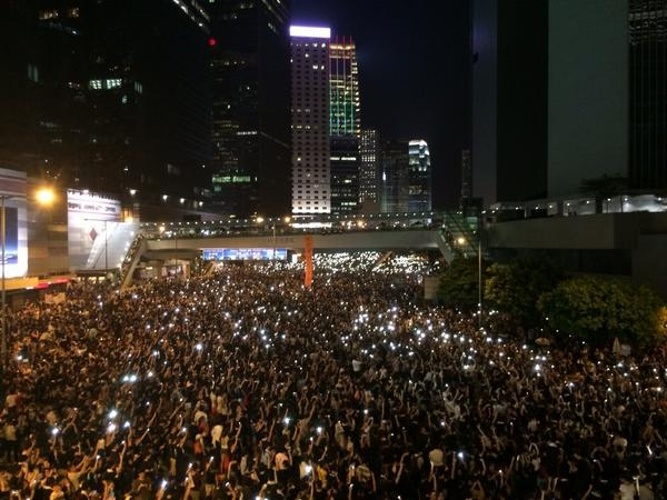Remarkable scenes from sea of protesters calling for more democracy & resignation of Hong Kong's top official http://t.co/mKHED6qck7
