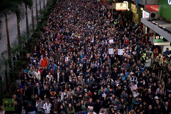 Hong Kong protesters defy Beijing with calls for democracy . #Hongkongprotests more on #Closingbell http://t.co/8ndpkIRdIQ