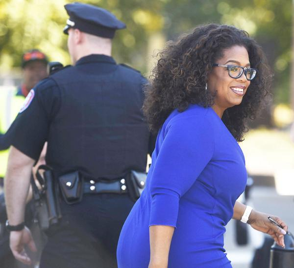 Oprah has made her way to campus. Live updates: http://t.co/SAQ40Buv6F  #OprahSU http://t.co/pSuZbD4W3N