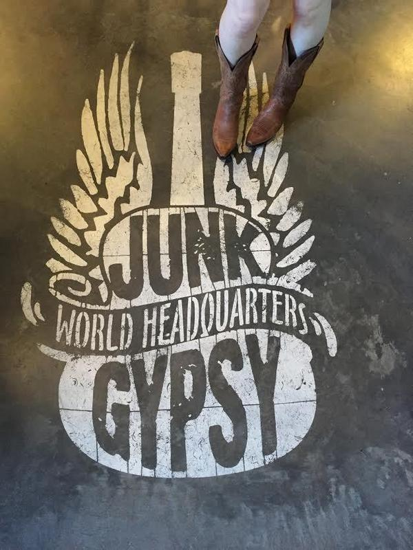 Good afternoon y'all! RT this photo w/ the hashtag #junkgypsy4pbteen for the chance to win a prize package worth $500 http://t.co/lkRl8rpqVQ