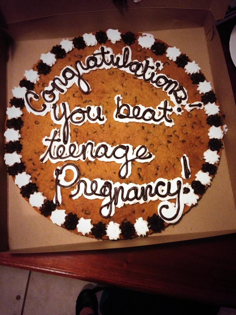 I love my birthday cookie cake �� http://t.co/YHzw16fN1m
