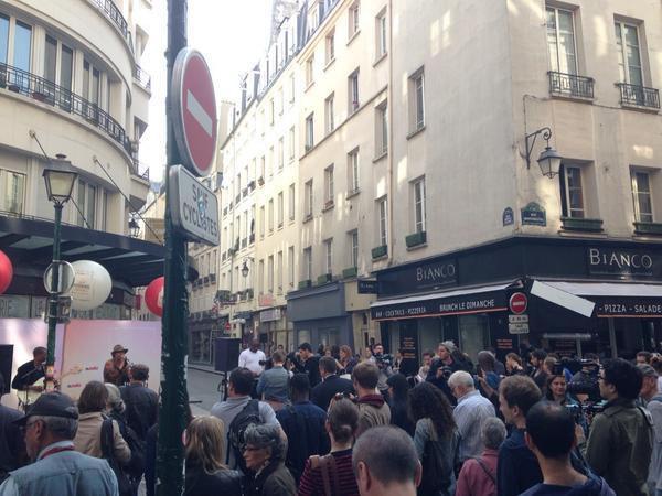 Deuxième concert de la matinée pour @AYOmusic, cette fois #RueMontorgueil #NutellaMorningFestival http://t.co/3WD6PYsfPt
