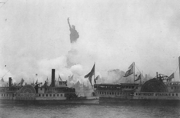The inauguration of the Statue of Liberty in New York Harbor, 1886 http://t.co/aVUWLQh07x
