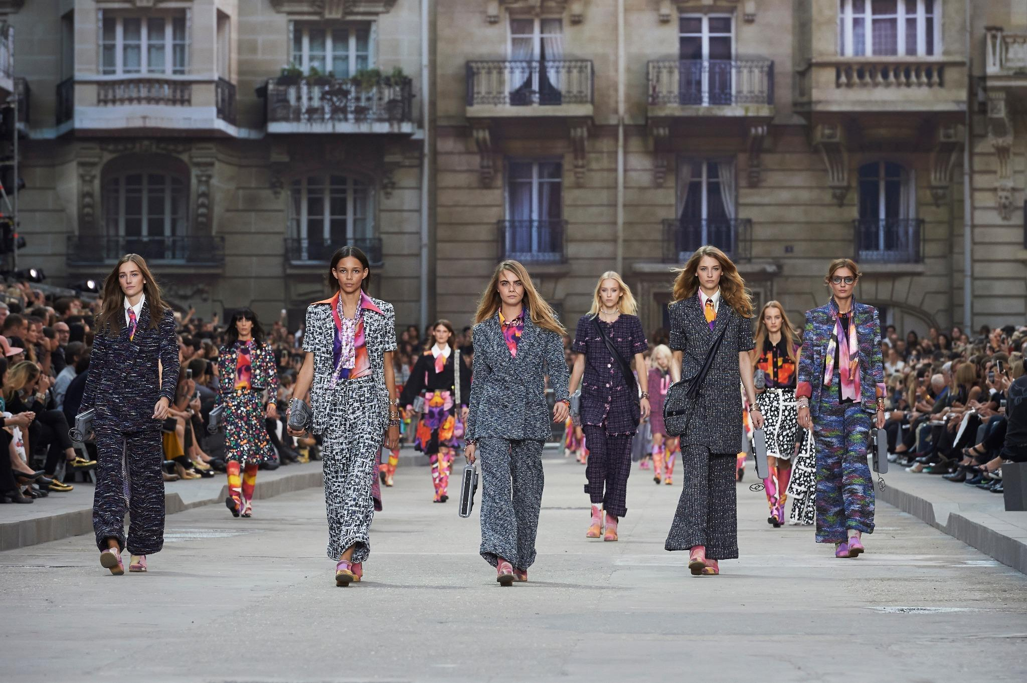 The runway at today's Spring-Summer 2015 RTW show in Paris. #boulevardchanel More photos on http://t.co/PgrjASyr5w http://t.co/Yfk8yIfwB4