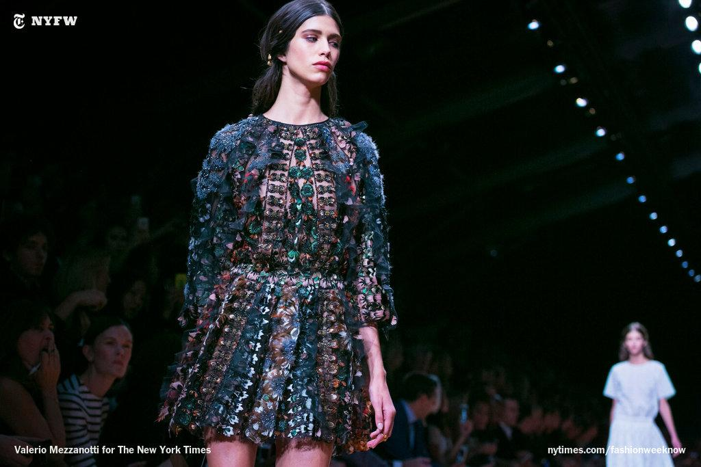 Warrior princess at Valentino. http://t.co/HBo6aXQR0H http://t.co/xDWf90jmJZ