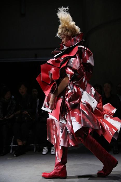 Listen to the haunting sounds of Comme des Garçons' emotive SS15 collection: http://t.co/1ONDCmyE55 http://t.co/IbHfyrKCh7