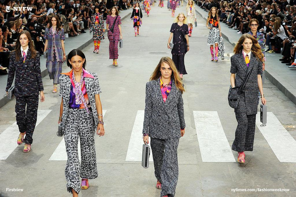 At Chanel's Paris Fashion Week show, a gray suit outside, a burst of colors inside. http://t.co/AamV7qdk0D http://t.co/3tAL74JUdf