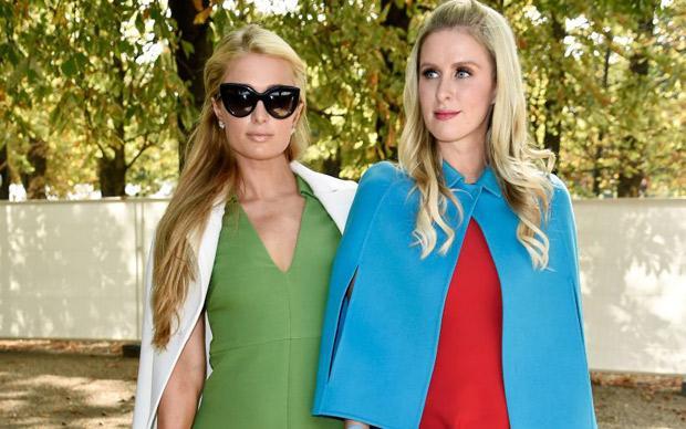Check out the colourful @MaisonValentino sisters Paris & Nicky Hilton http://t.co/oreFbL4QvJ http://t.co/PrVL6CCmPX