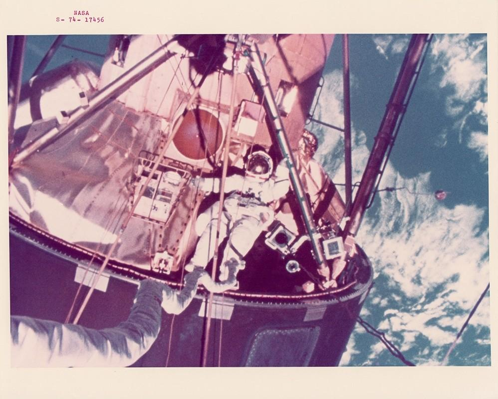 Amazing shots from NASA's archive, courtesy of a new show at @BREESELITTLE gallery: http://t.co/AEr1FerIlC http://t.co/CxAwdYzNPp