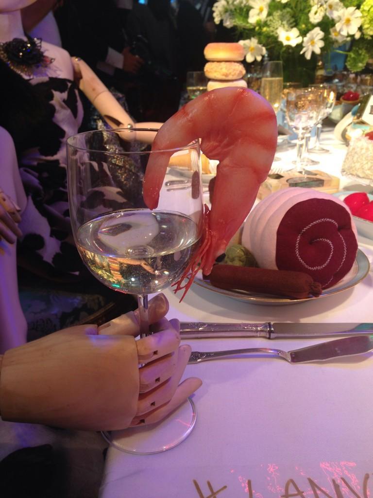 Prawn cocktail anyone? @LANVINofficial http://t.co/ooOWz8GwJP